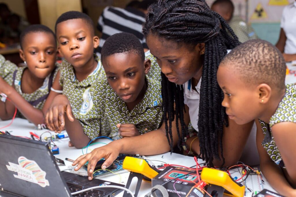 M-PLACE GIRLS-The new revolution for Girls in STEAM